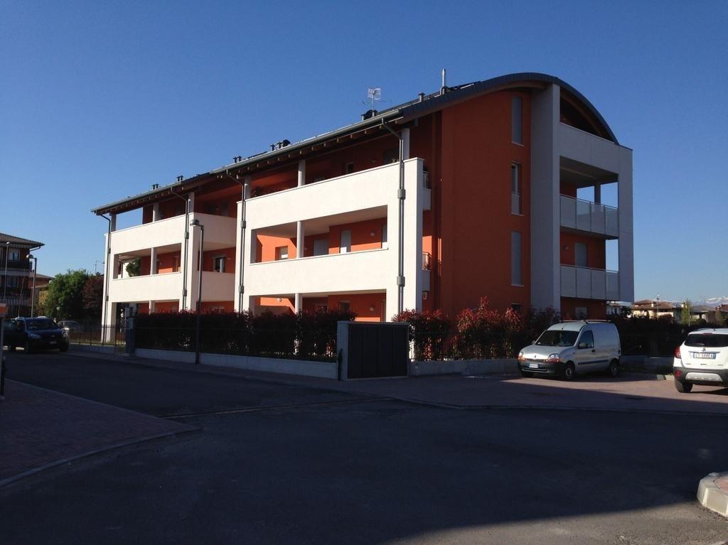Trilocale in vendita a villafranca di verona dossobuono for Piani casa 3 camere da letto e garage doppio